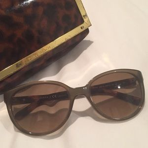 Tory Burch grey sunglasses with case